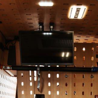 Smart TV 21,5 Zoll inkl. Wand-/Deckenhalterung