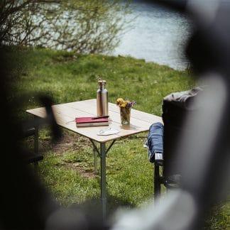 2 Campingstühle mit Tisch